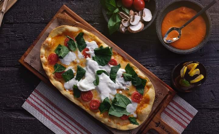 Burrata Pizzetta