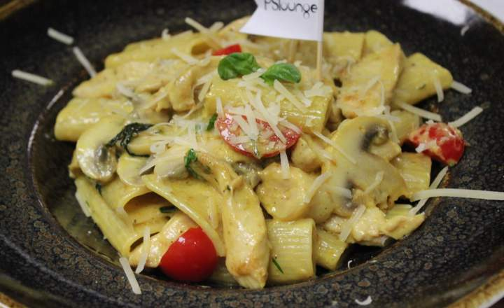 Rigatoni with Curry Sauce & Chicken