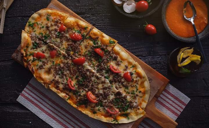 Meat Pizzetta